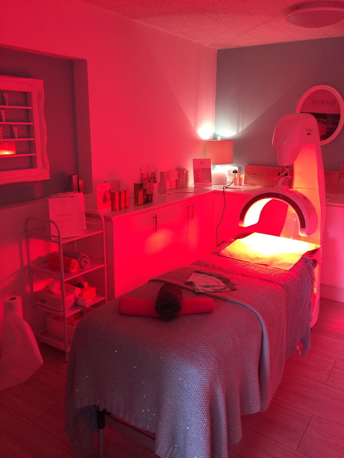 Beautiful smooth skin - Dermal light therapy treatment